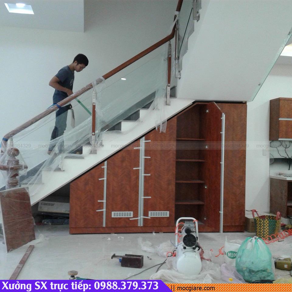 Xưởng đóng tủ chân cầu thang ở Thủ Dầu Một 491819BCD