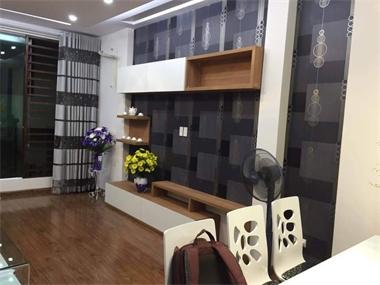 chuyen-dat-dong-tu-ke-tivi-o-thu-dau-mot-472319xvg